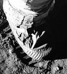 Le pied de Neil Armstrong sur la Lune
